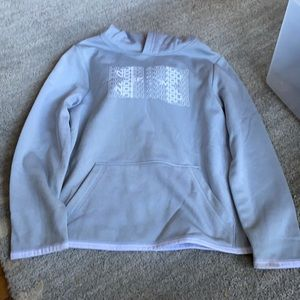 Under Armour YXS Hoodie. Excellent Condition